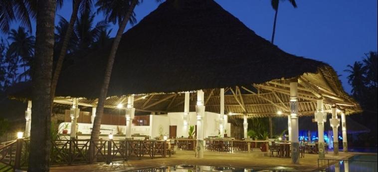 Hotel Neptune Village Beach Resort & Spa All Inclusive: Iglesia UKUNDA