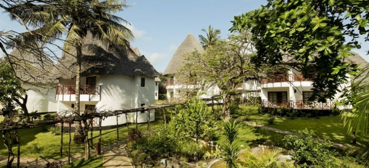 Hotel Neptune Village Beach Resort & Spa All Inclusive: Bowling UKUNDA