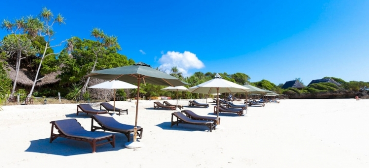 Hotel The Sands At Chale Island: Patio UKUNDA