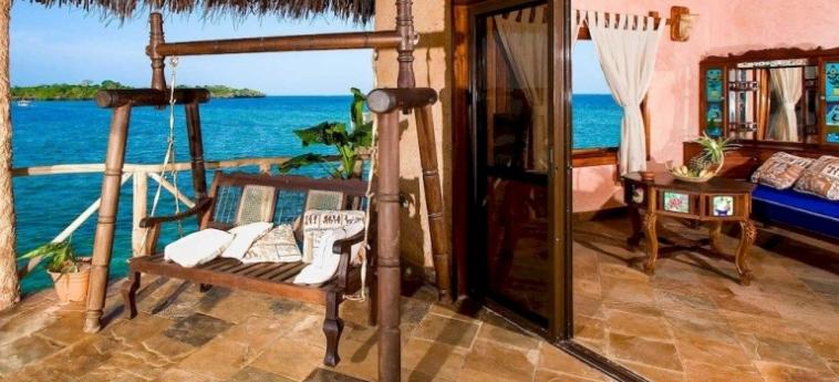 Hotel The Sands At Chale Island: Wine Cellar UKUNDA