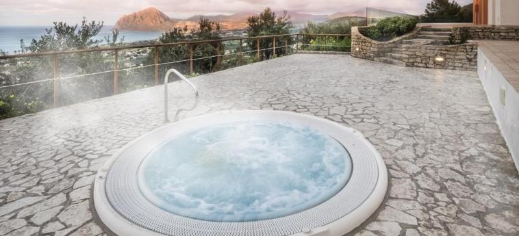 Hotel Parco Degli Aromi Resort & Spa: Jacuzzi VALDERICE - TRAPANI