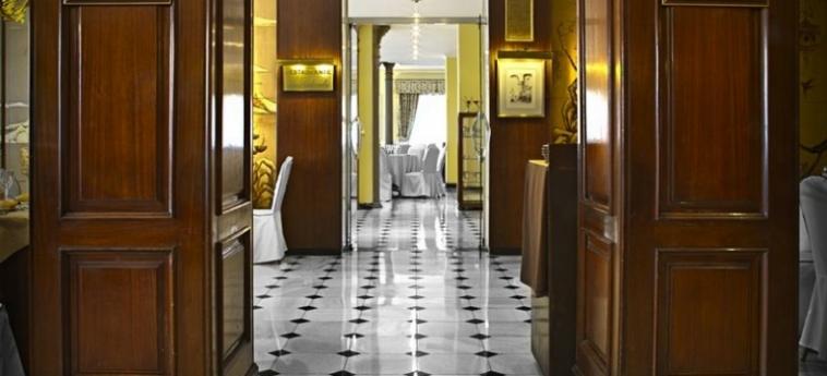 Hotel One Shot Palacio Reina Victoria 04: Couloir VALENCE