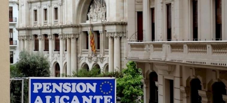 Pension Alicante: Exterior VALENCIA