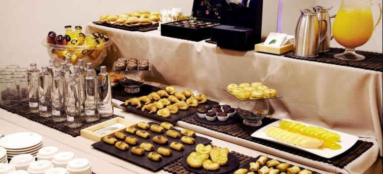 Hotel Vincci Lys: Buffet VALENCIA