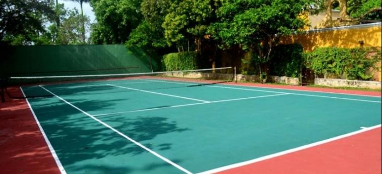 Hotel Ecotel Quinta Regia: Tennis Court VALLADOLID