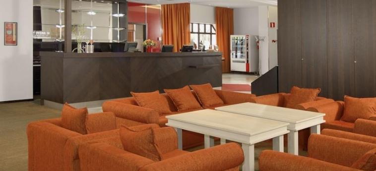 Hotel Oscar: Reception VARKAUS