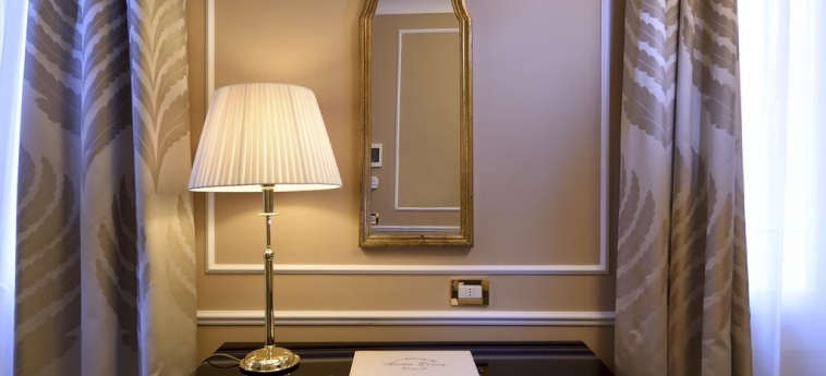 Hotel Al Nuovo Teson: Habitacion - Detalle VENECIA