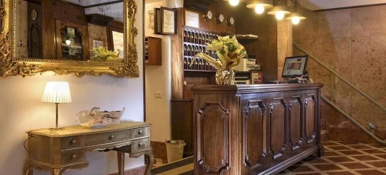 Hotel Al Nuovo Teson: Reception VENECIA