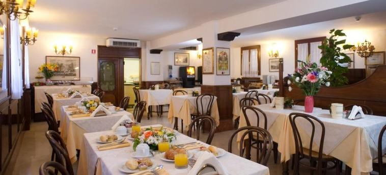 Hotel Al Nuovo Teson: Sala de Desayuno VENECIA