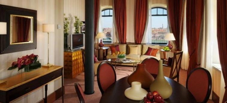 Hotel Hilton Molino Stucky: Sala Relax VENECIA
