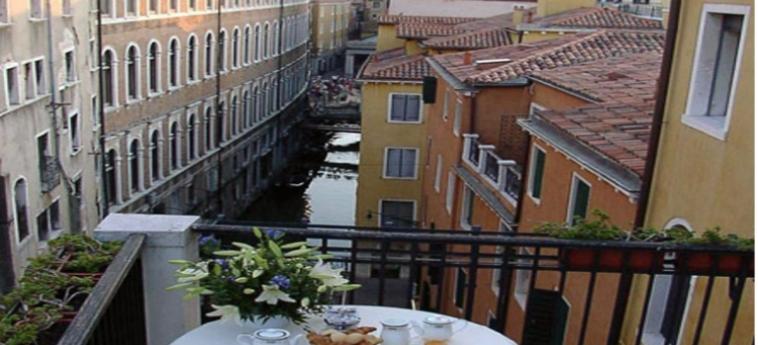 Hotel San Marco Palace: Balcony VENECIA