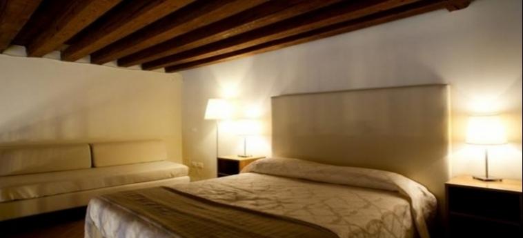 Hotel Foresteria Levi: Schlafzimmer VENEDIG