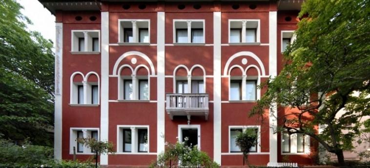 Hotel Villa Pannonia: Fassade VENEDIG