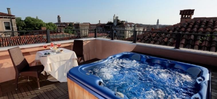 Hotel Palazzo Stern: Außenschwimmbad VENEDIG