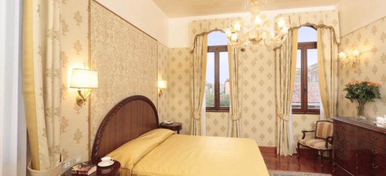 Hotel Palazzo Stern: Deluxe Zimmer VENEDIG