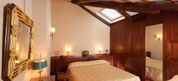 Hotel Palazzo Stern: Doppelzimmer  VENEDIG
