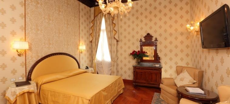 Hotel Palazzo Stern: Superiorzimmer VENEDIG