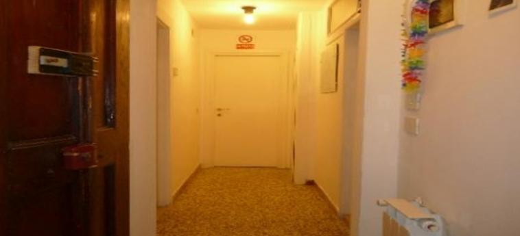 Hotel Youth Venice Home: Corridoio VENEZIA
