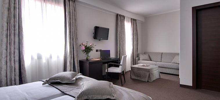 Hotel Villa Pannonia: Particolare della Camera VENEZIA