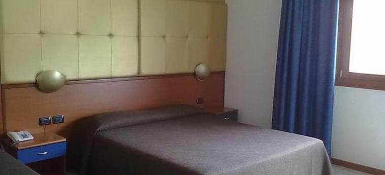 Hotel Villa Alighieri: Bedroom VENICE - DOLO - MIRA - MIRANO