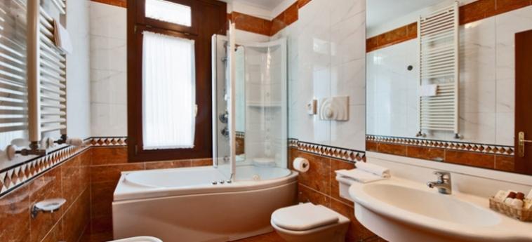 Hotel Al Vivit: Bathroom VENICE - MESTRE