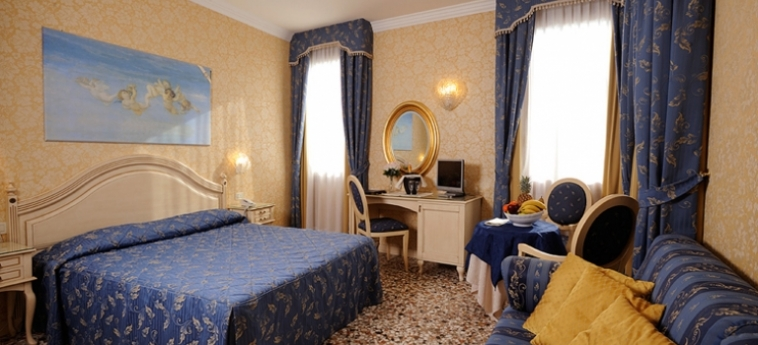 Hotel Ca' Formenta: Bedroom VENICE