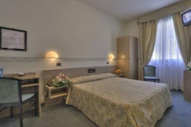 Hotel Garibaldi: Chambre Double VENISE - MESTRE