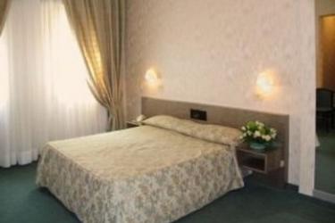 Hotel Garibaldi: Chambre VENISE - MESTRE