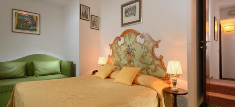 Hotel Al Nuovo Teson: Chambre Double VENISE
