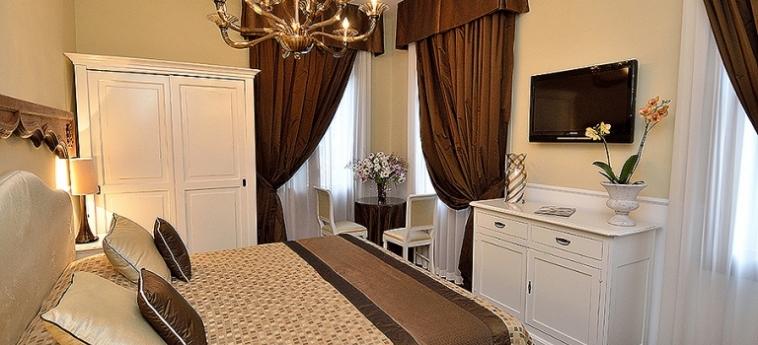 Hotel Villa Ines: Chambre VENISE