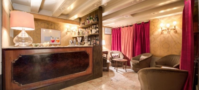 Hotel Continental, Bw Premier Collection: Lounge Bar VENISE