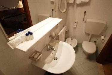 Hotel Piccolo: Cuarto de Baño VERONA