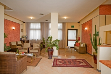 Hotel Bareta: Hotelhalle VERONA
