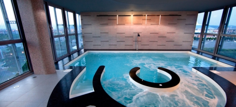 Hotel Crowne Plaza Verona Fiera: Piscine Couverte VERONE
