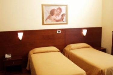 Hotel Valverde: Extérieur VERONE