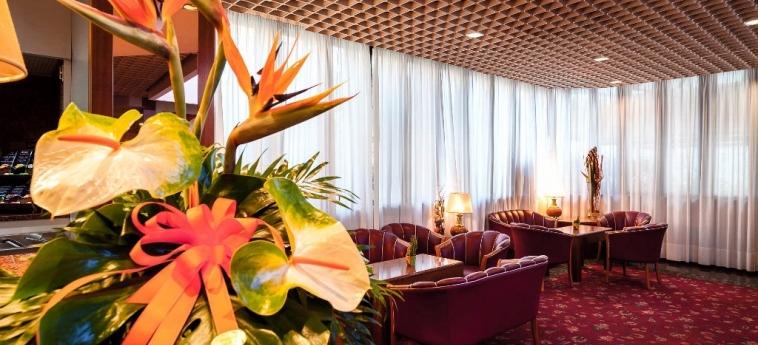 Hotel Maxim: Lobby VERONE