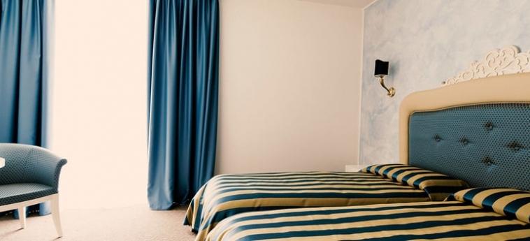 Palace Hotel La Conchiglia D'oro: Camera Family VICENZA