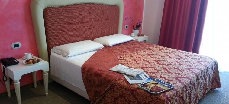 Palace Hotel La Conchiglia D'oro: Camera Vista Mare VICENZA