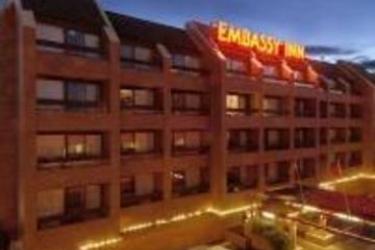Hotel Embassy Inn: Esterno VICTORIA