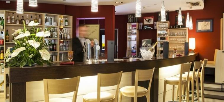 Azimut Hotel Vienna: Bar VIENNA