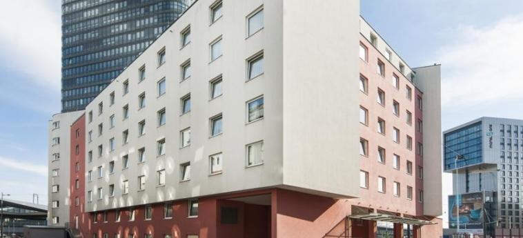 Azimut Hotel Vienna: Exterior VIENNA