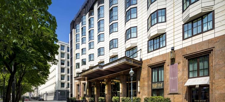 Hotel Hilton Vienna Plaza: Esterno VIENNA