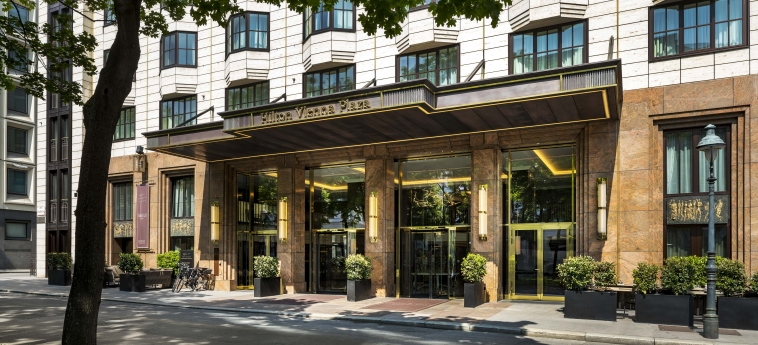 Hotel Hilton Vienna Plaza: Facciata VIENNA