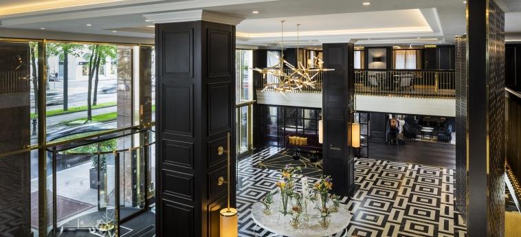 Hotel Hilton Vienna Plaza: Lobby VIENNA