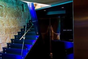Hotel Inffinit: Lobby VIGO