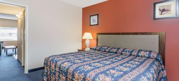 Hotel Knights Inn And Suites Virginia Beach: Camera degli ospiti VIRGINIA BEACH (VA)