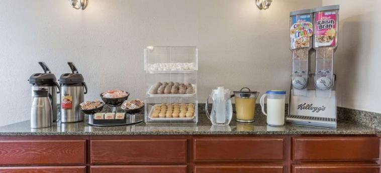 Hotel Knights Inn And Suites Virginia Beach: Servizio della struttura VIRGINIA BEACH (VA)