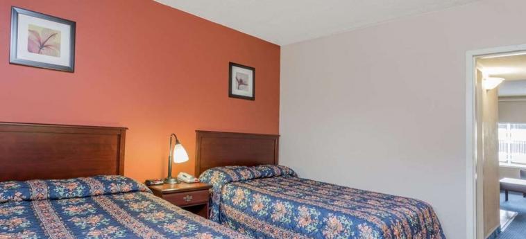 Hotel Knights Inn And Suites Virginia Beach: Stanza degli ospiti VIRGINIA BEACH (VA)