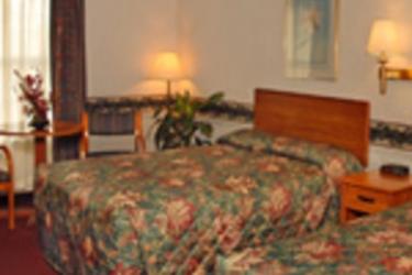 Hotel Ramada Plaza Resort Oceanfront: Bedroom VIRGINIA BEACH (VA)