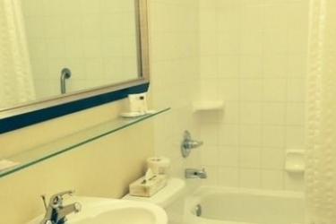 Hotel Ramada Winnipeg Airport Viscount Gort: Badezimmer WINNIPEG